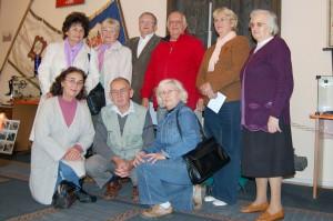 Po przekazaniu pieniędzy pamiątkowa fotografia członków RO nr 1 i zarządu SPZG.