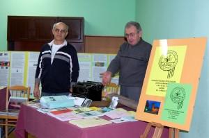 W.D.Łabęcki i A.Leda prezentują stoisko SPZG