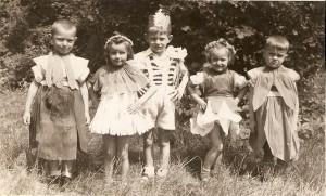 Rok 1946. Dzieci z pierwszego przedszkola przy ul.Oświęcimskiej. Może ktoś rozpozna się?
