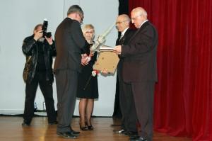 Gratulacje od przewodniczącego jury prof. Wojciecha Strzyżowskiego