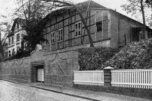 Piwnice (dziś ul. Kresowa), w której schładzano piwo produkowane w browarze, w miejscu, gdzie dziś stoją budynki Zespołu Szkół Ponadgimnazjalnych.